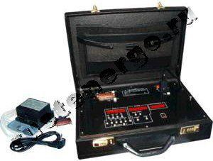 Установка переносная поверочная для поверки аналоговых и щитовых цифровых преобразователей напряжения и стрелочных вольтметров, кл. т. 0,15 ЦУ855
