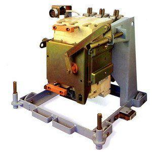Автоматический выключатель АВ2М4Н-53-41 стац. с ручным приводом 250А