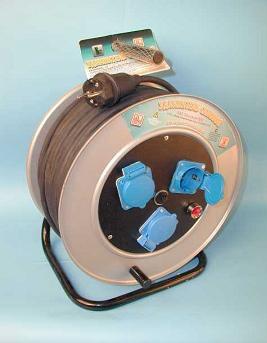 Удлинитель на металлической катушке 100 метров ПВС 3*2,5 3 розетки с выключателем