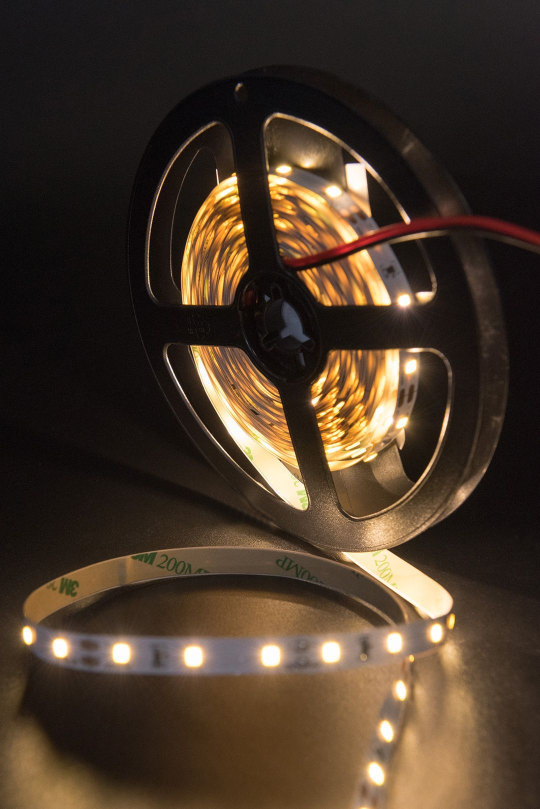 Светодиодная лента SMD 2835, 60 LED/м, 4,8 Вт/м, 12В , IP20, Цвет: Теплый белый