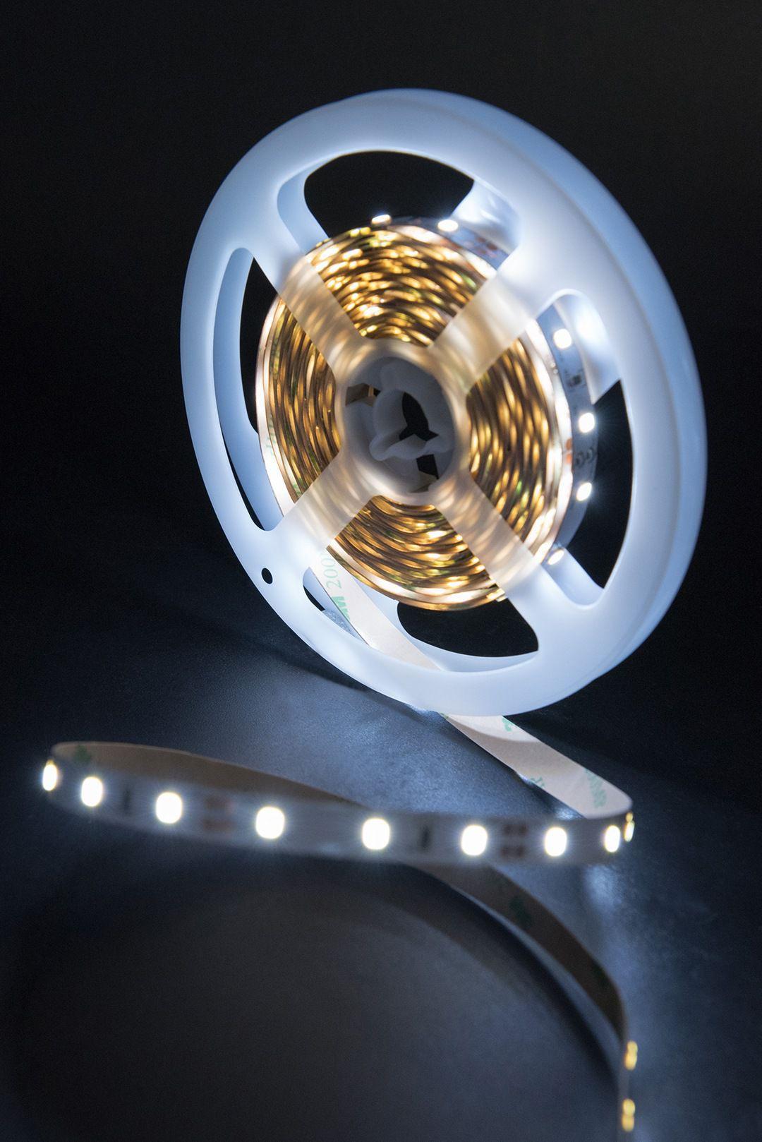 Светодиодная лента SMD 2835, 60 LED/м, 6,3 Вт/м, 12В , IP20, Цвет: Холодный белый