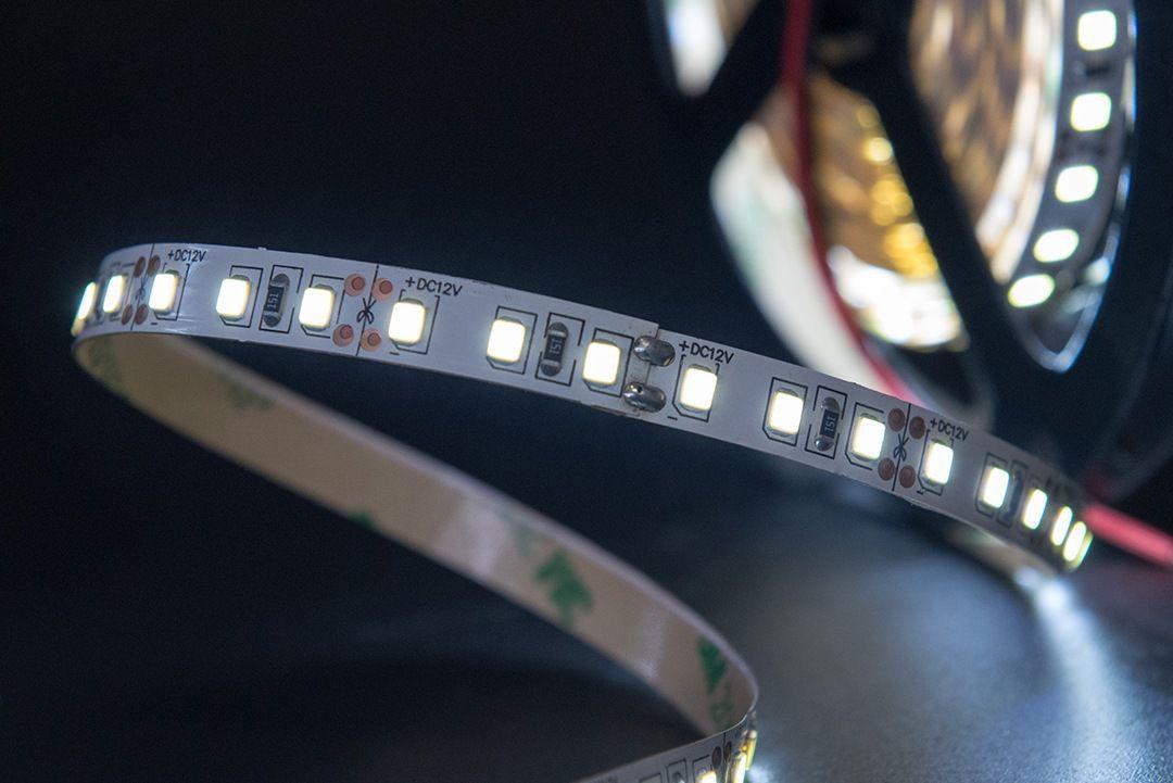 Светодиодная лента SMD 2835, 120 LED/м, 9,6 Вт/м, 12В , IP20, Цвет: Холодный белый