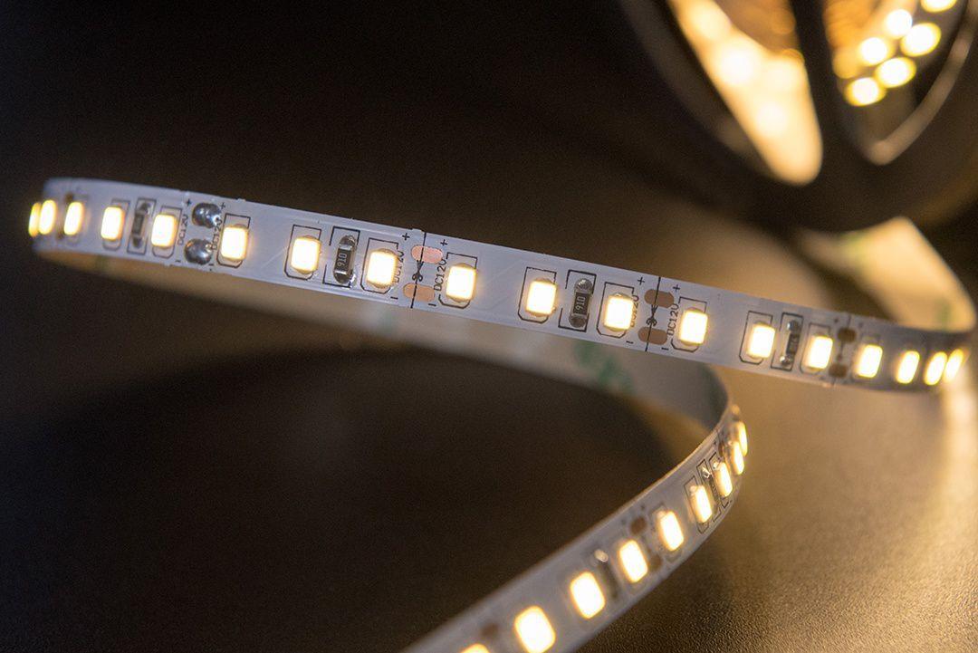 Светодиодная лента SMD 2835, 120 LED/м, 9,6 Вт/м, 12В , IP20, Цвет: Теплый белый