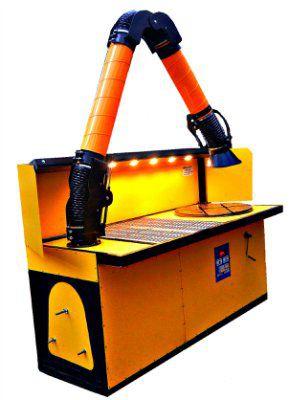 Стол сварщика поворотный с функцией подъема рабочей плиты и самоочисткой воздуха. (Регенерируемый фильтр)