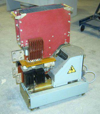 Выключатель автоматический быстродействующий постоянного тока ВАТ-49 номинальное напряжение до 1050 В, номинальные токи 3200, 5000, 6300 А