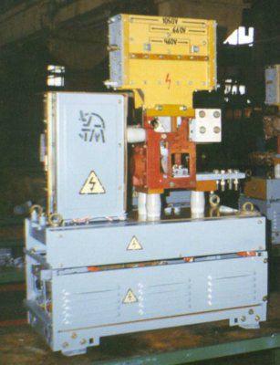 Выключатель автоматический быстродействующий постоянного тока ВАТ-48 Номинальное напряжение 460, 660 и 1050 В, номинальные токи 4000, 6300, 12500 А, отключающая способность не более 120 кА