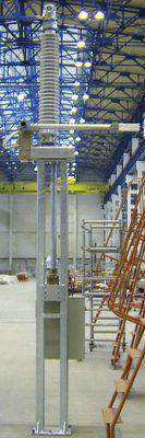 Заземлитель однополюсный ЗРО-110.Номинальное напряжение 110 кВ, наибольшее рабочее напряжение 126 кВ, номинальный ток 1000 А, ток термической стойкости 40 и 50 кА. Верхнее рабочее и эффективное значение температуры окружающего воздуха +45оС (+55оС), нижне