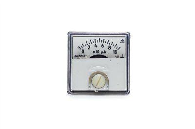 Амперметр щитовой аналоговый постоянного тока ЭА2239 кл. 2,5