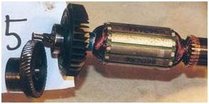 Лобзик. Износ червячной передачи якоря и главной косозубой шестерни